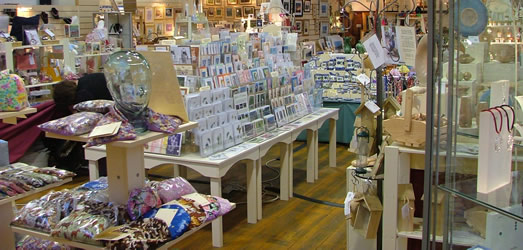 inside lyn art and crafts